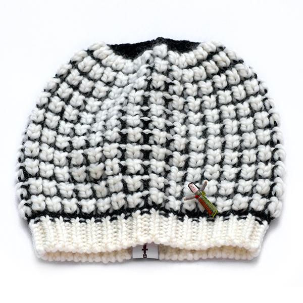 Bio Beanie, organic wool, Noppenstrick, Offwhite/ Schwarz