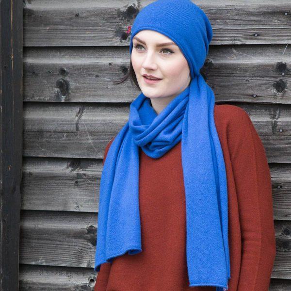 Mütze Schal Set aus Kaschmir, Royal Blau von Meinfrollein