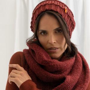Damen Wollmütze aus Biogarn, von Meinfrollein, Rubin Rot